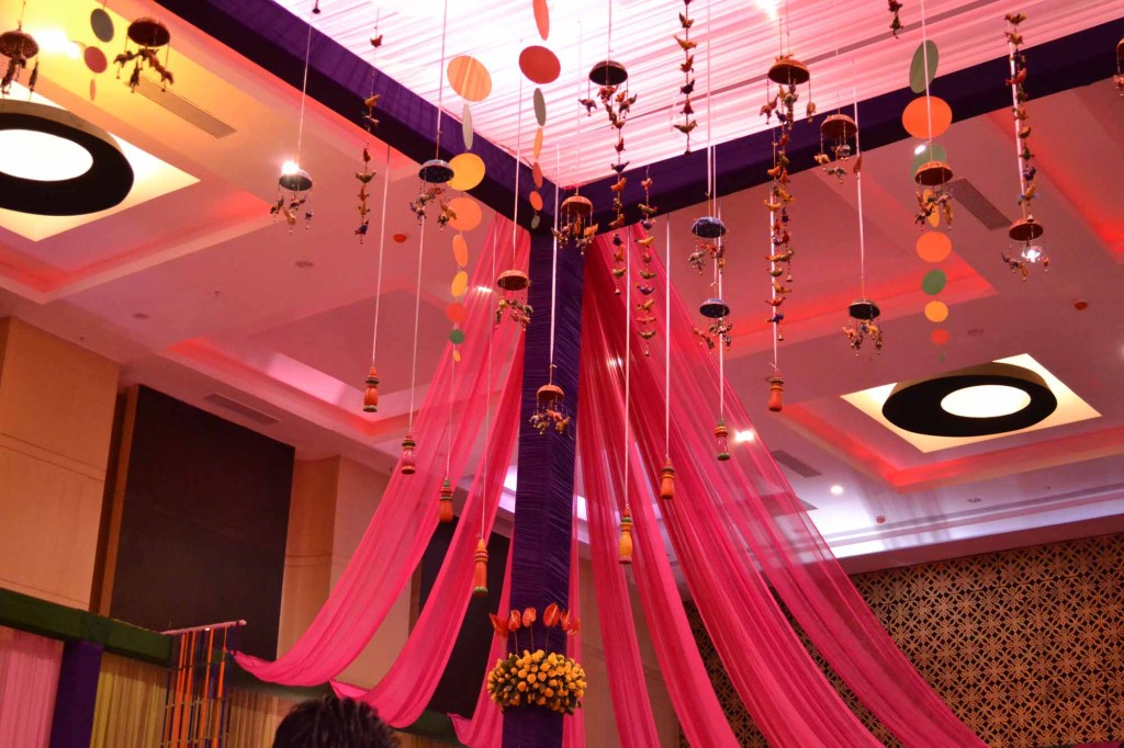 Indian Wedding Photos | Love the hanging detailing