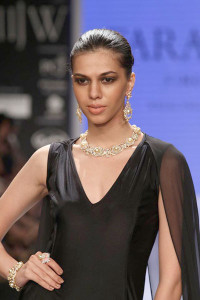 Farah Khan at the IIJW 2014   Indian Jewellery and Indian Bridal Jewellery