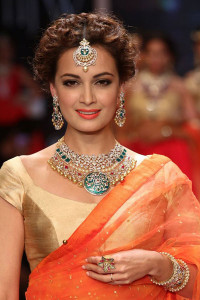 Dia Mirza for Shobha Shringar at the IIJW 2014 | Indian Jewellery