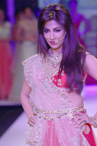 Chitrangada Singh for Moni Agarwal at IIJW 2014 | Polki Jewellery