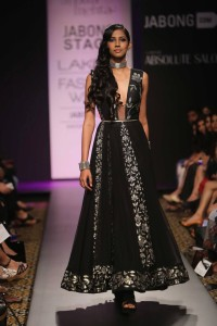 Day 5-Show 7- Arpita Mehta + Ridhi Mehra - Facebook3