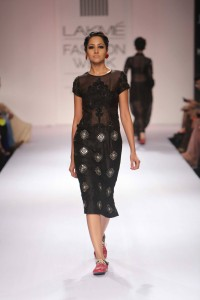 Day 5-Show 1- Megha Garg + VERB by Pallavi Singhee + Sonaakshi Ra - Facebook31