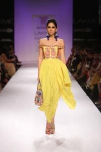 Day 1 - Show 5- Rizwan Byeg + Zara Shahjahan + Sania Maskatiya - Facebook4
