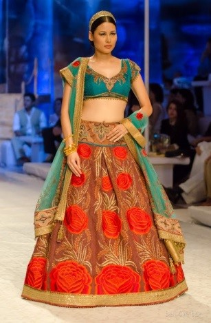 A simple and elegant bridal lehenga by JJ Valaya