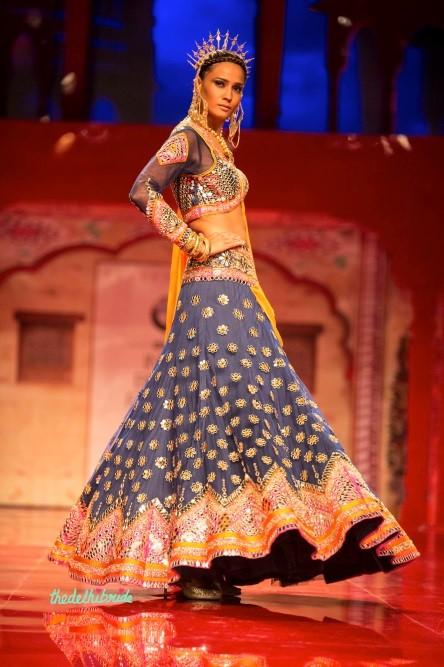 A stunning bridal lehenga by Suneet Varma
